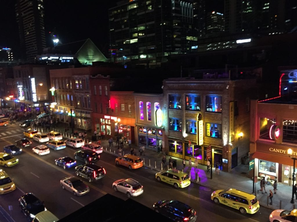 Broadway Rooftop honky tonk bar with a view © Charlene Ross