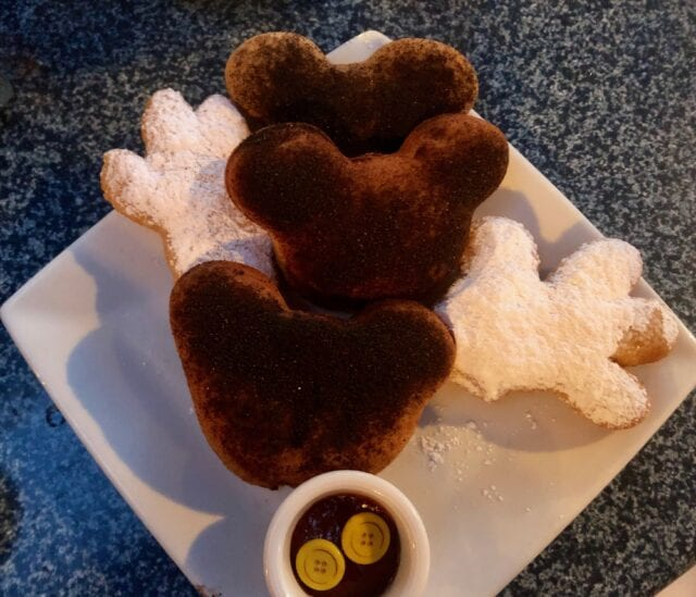 cafe New Orleans donuts - Disneyland family vacation packages