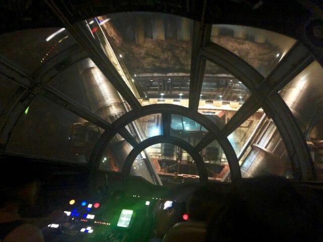 Millennium Falcon - star wars galaxy's edge
