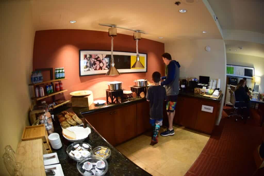 Hotel Irvine Club 12