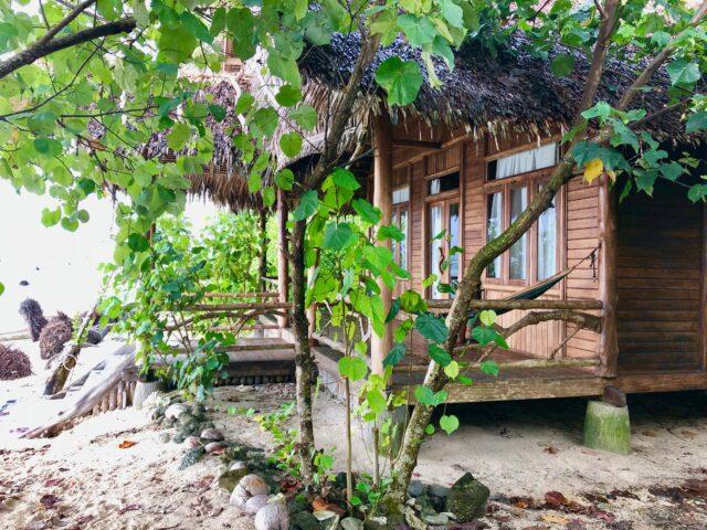 Hidden Bay Resort Mentawais Bungalow