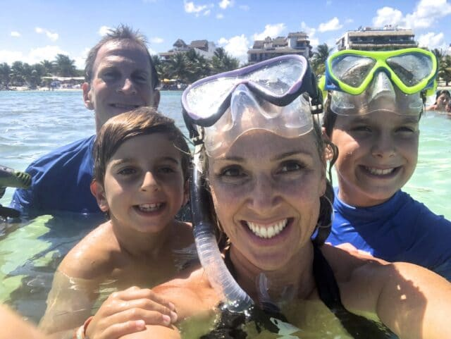 Fun things to do with kids in Bermuda, family snorkeling