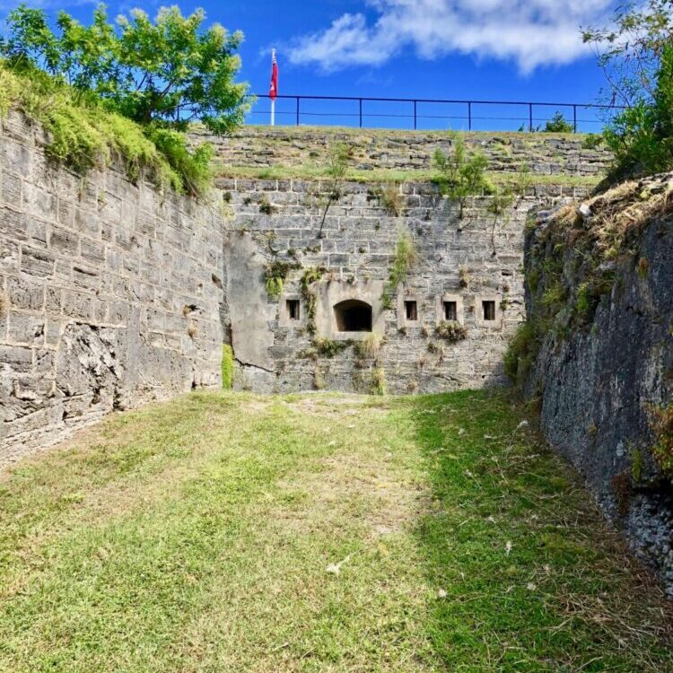 Things to do with kids in Bermuda, Railway Trail Fort Scaur