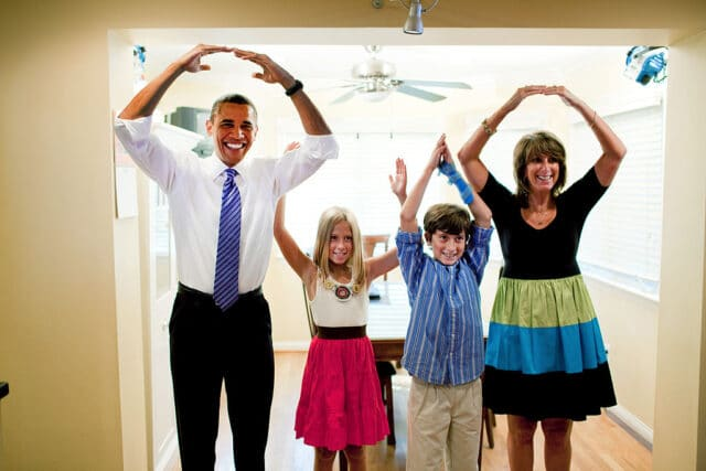 Photo of President Obama spelling out OHIO