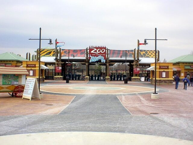 Photo of Columbus Zoo gate